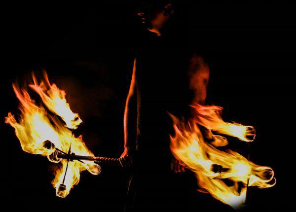 Jongleur de feu bordeaux