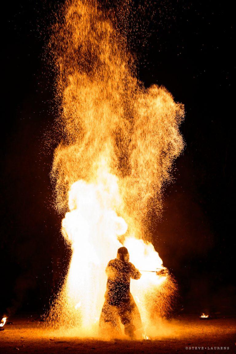 Manupilations pas Steeve Laurens - Manu je jongleur - Spectacle de feu