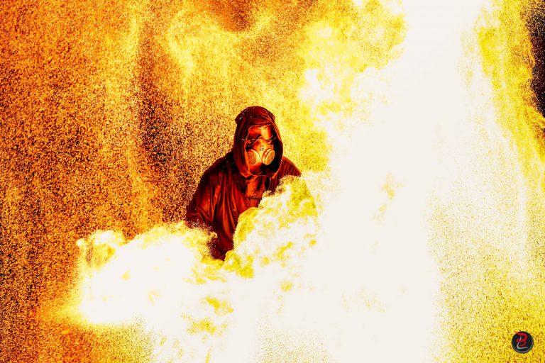 Manu le jongleur par Loic Bocat - Spectacle de feu