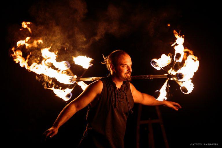 """Staff dragon par Steve Laurens- Spectacle de feu - """"Manupilations"""" - Manu le jongleur"""