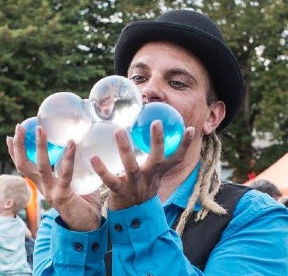 Zoom sur le Cabaret jonglé