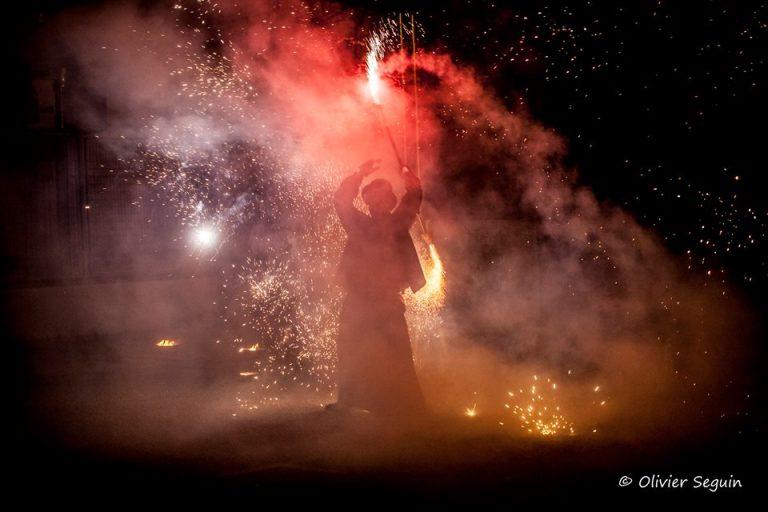 Pyro by Olivier Seguin - Spectacle du jongleur de feu Manu