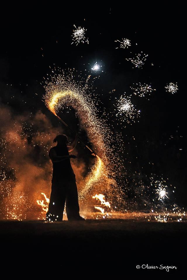 One Man Show enflammé par Olivier Seguin - Manu le jongleur - Spectacle de feu