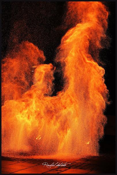 Fian du spectacle Manupilations par Rachelle - Manu le jongleur -Spectacles de feu