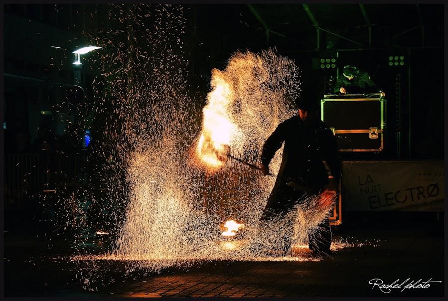 Manu le jongleur par Rachelle Photos - Spectacle de rue et de feu