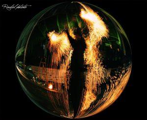 Spectacle de feu de Manu le jongleur par Rachelle Photo - Montluçon