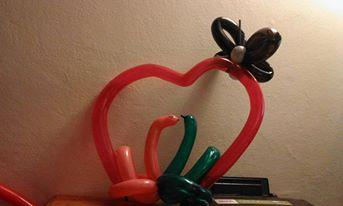 Sculpture sur ballons bordeaux